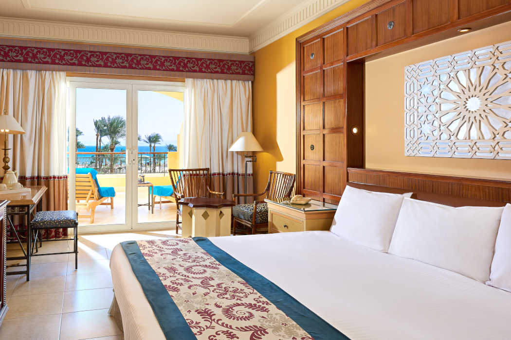 Mosaique beachfront room furnished with a kingbed and has a balcony overlooks the Red Sea