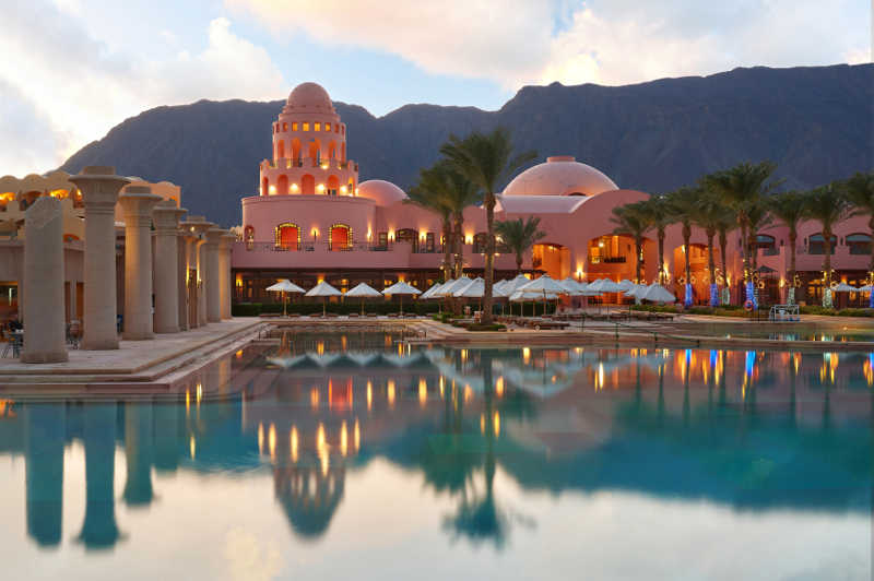 Mosaique overview by sunset at Taba Heights and its pools