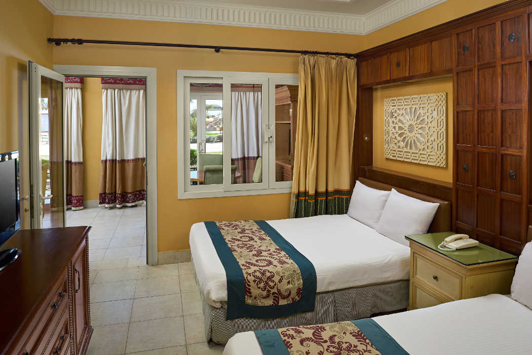 The twinbed room in a mosaique style at the family suite in Mosaique Hotel in Taba Heights