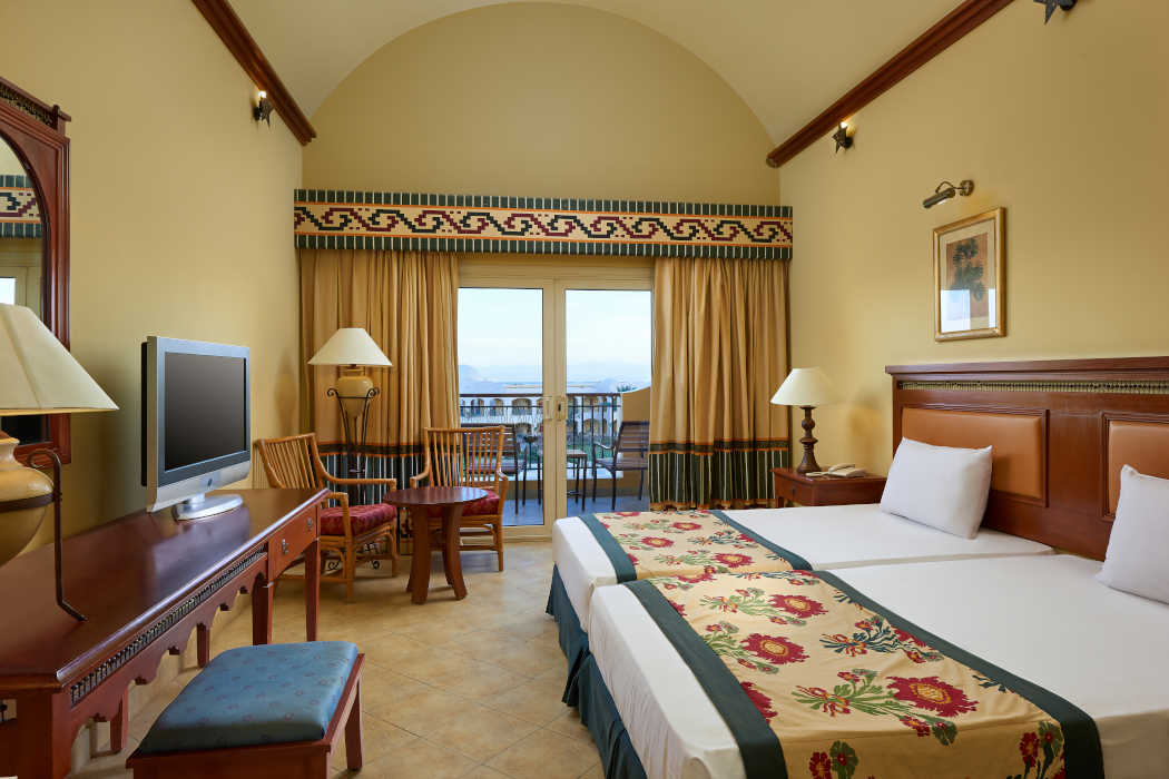 The overview of twin bedding room with